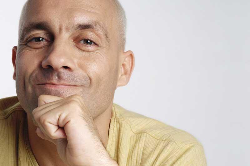 Tinnitus hearing aid help man